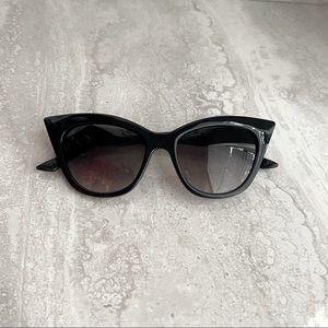 NWT Retro 1950s Black Audrey Cat Eye Sunglasses